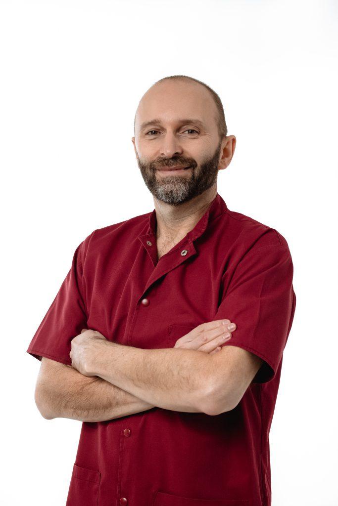 Dr. Simon István